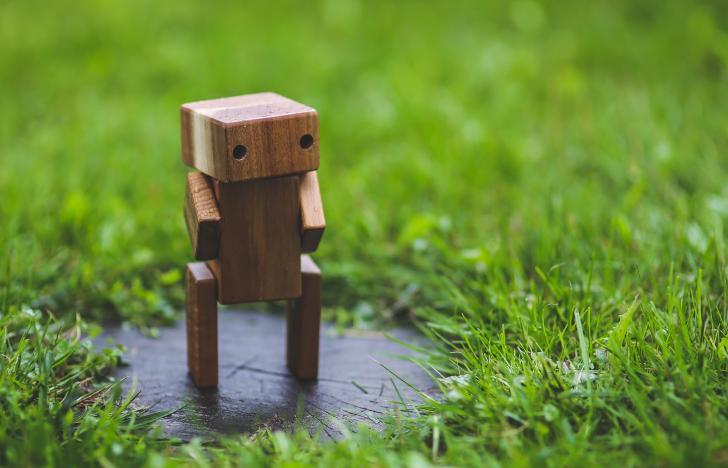Intelligente Roboter versus menschliche Dienste